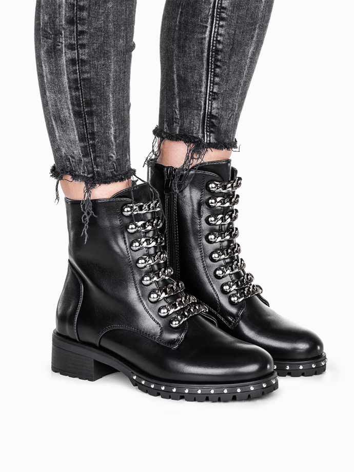 Black ankle boots with chains lr098